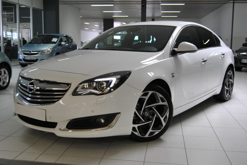 opel insignia ii 2 0l cdti 140 opc line 09 14 16 771 km blanche automobiles schumpp. Black Bedroom Furniture Sets. Home Design Ideas